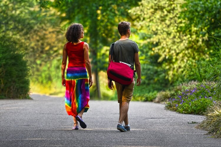 why do women chase men
